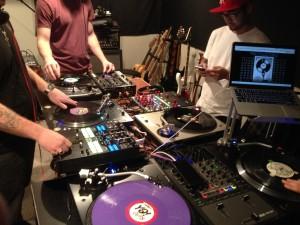 DJ Team-work